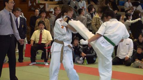 2008.12.07準決勝戦けり1.jpg